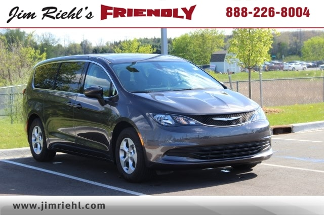2017 Chrysler Pacifica LX FWD van