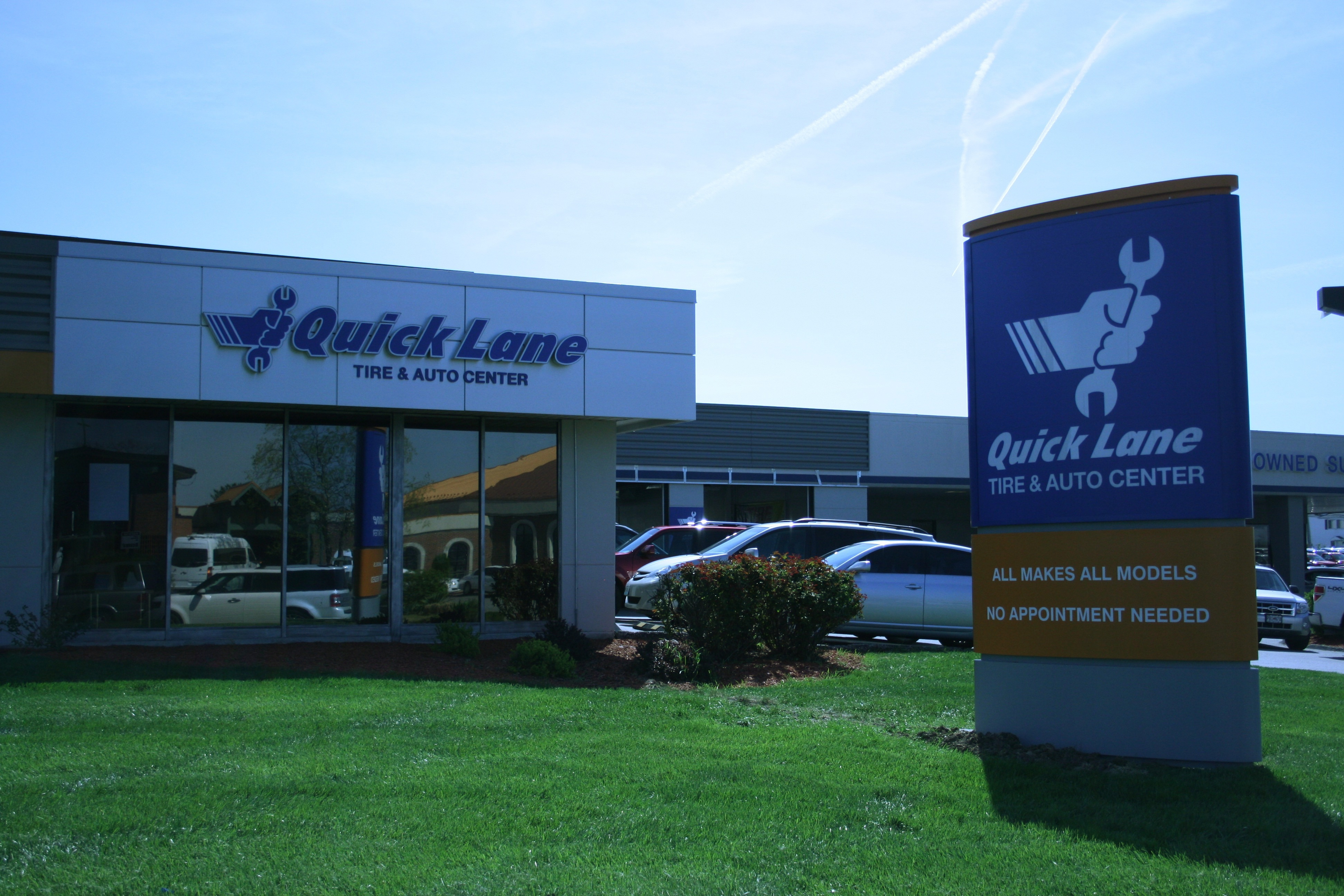 Joe machens ford new ford dealership in columbia mo 65203 for Ford motors service center
