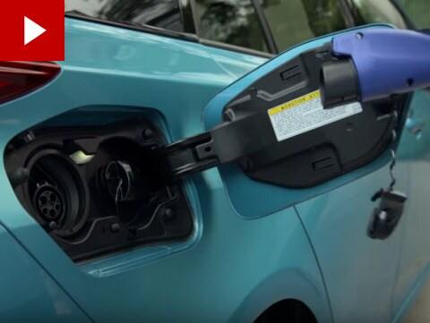 Charging Toyota Prius Prime