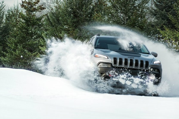 2017 Jeep Cherokee driving in winter weather in Indiana