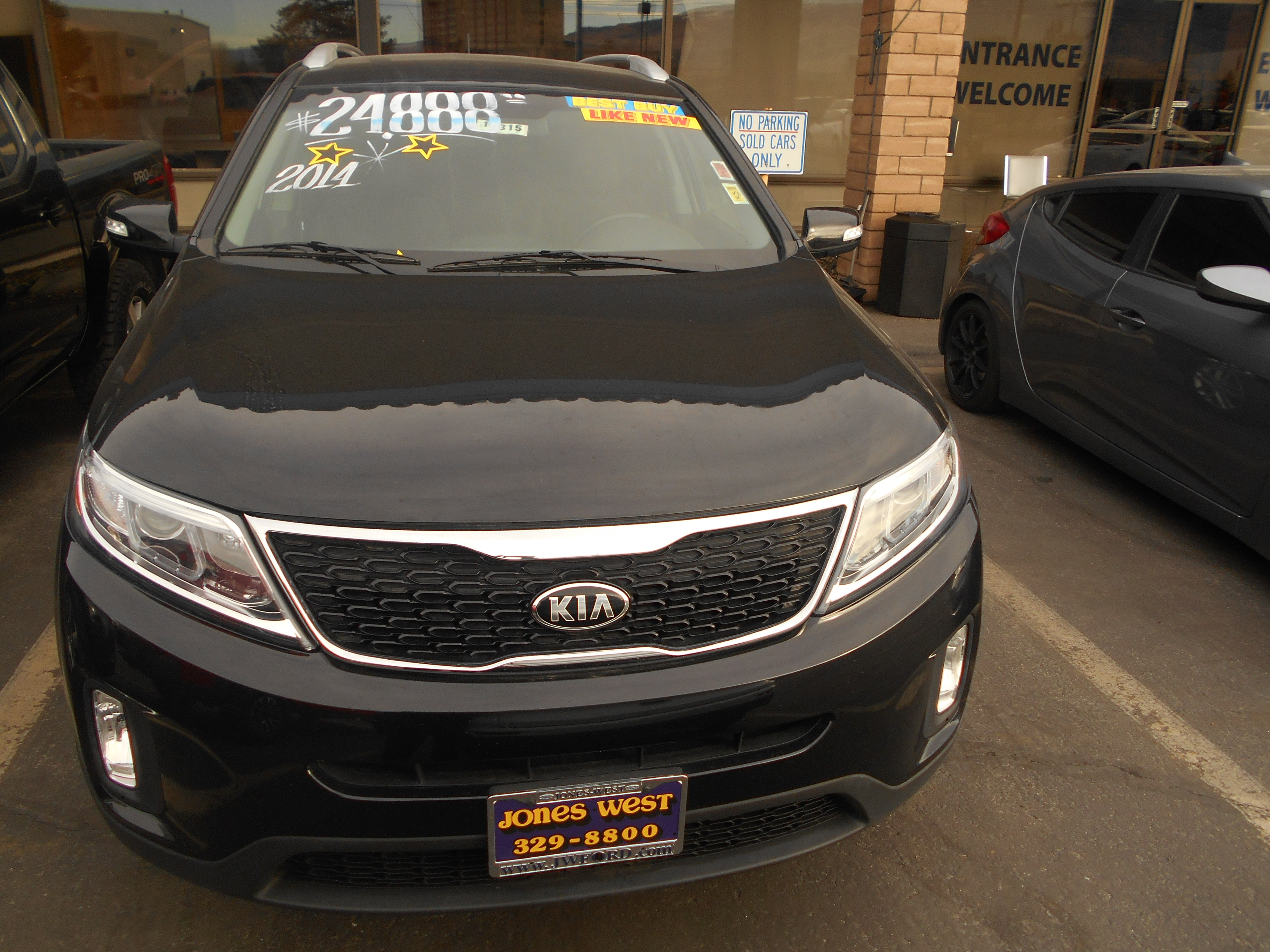 2014 Kia Sorento LX Winter is almost here Be prepared with this great vehicle CruiseCD M
