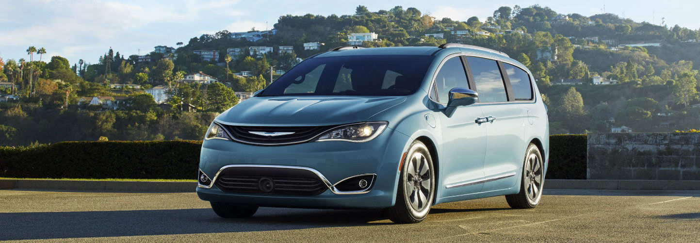 2017 Chrysler pacifica in blue