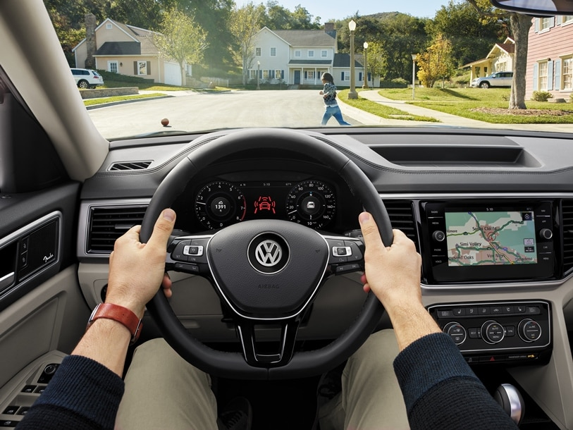 2018 volkswagen atlas features and more schedule your test drive at kelly volkswagen today. Black Bedroom Furniture Sets. Home Design Ideas