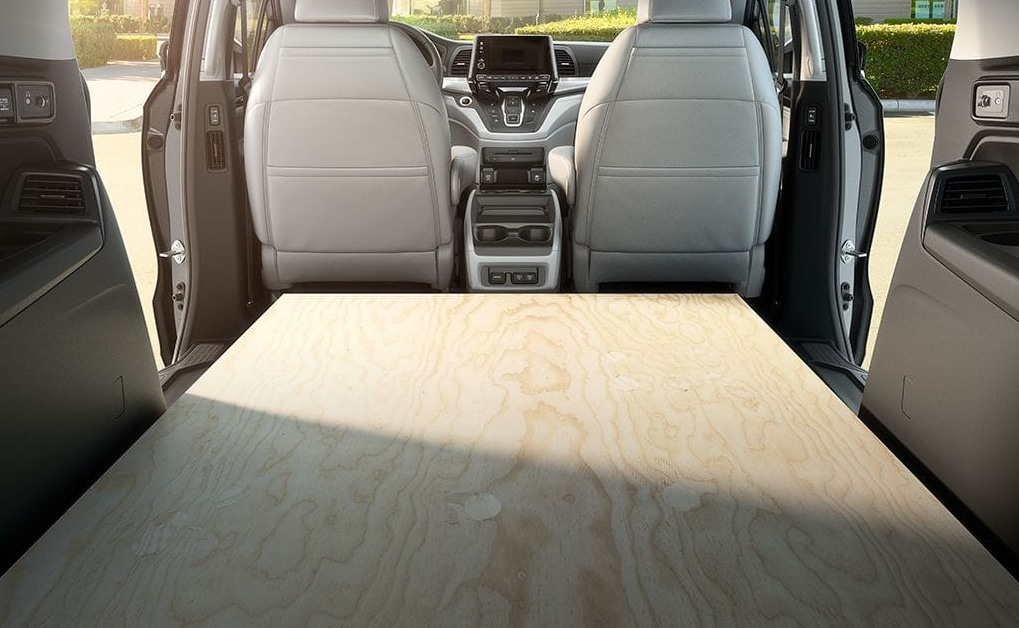 2018 honda odyssey features photos and more kelly for Honda odyssey magic seat