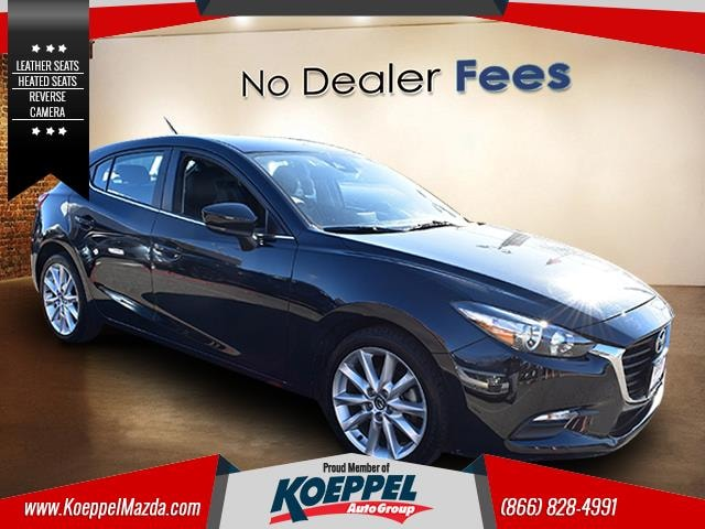 2017 Mazda Mazda3 Touring Why compromise between fun and function when you can have it all in this