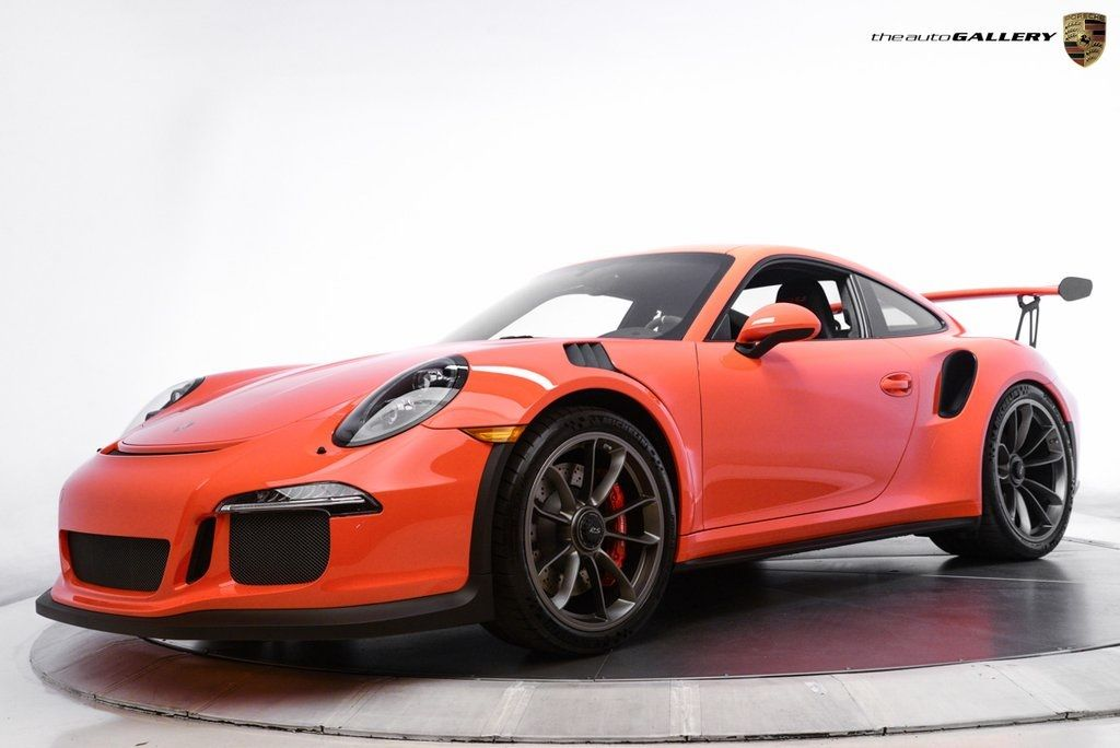 Front of the Orange 2016 Porsche 911 GT3 RS