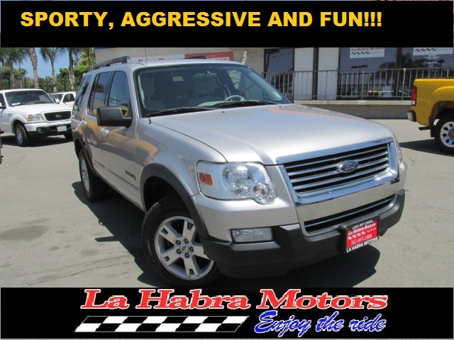 2007 Ford Explorer XLT V6 220A ATTRACTIVE MID -SIZE 4X4 SUV WITH VERY LOW MILES  for more