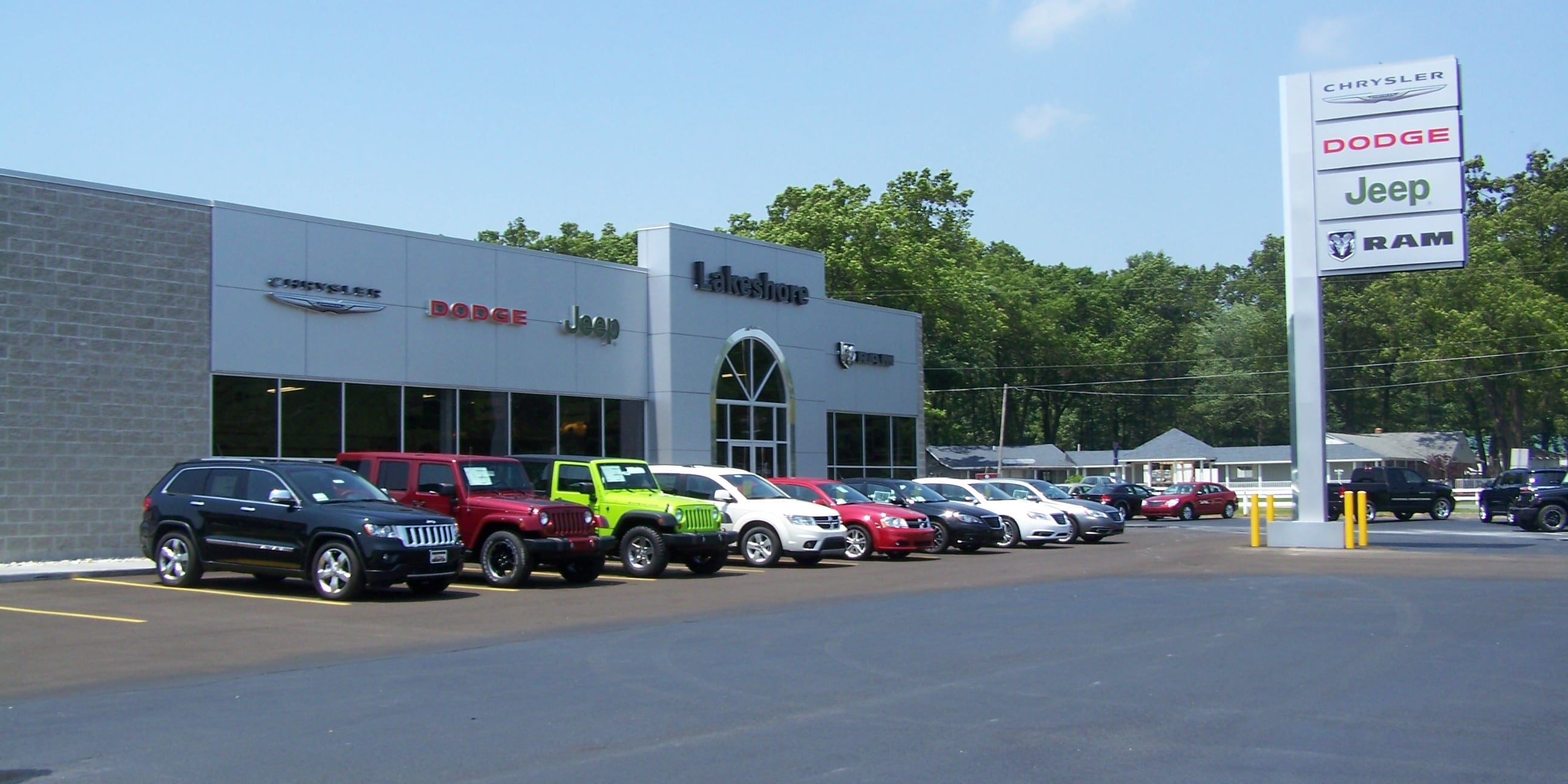 Photo Of Used Cars In A Sales Lot - Boyd Earls' Lakeshore Chrysler Dodge Jeep RAM