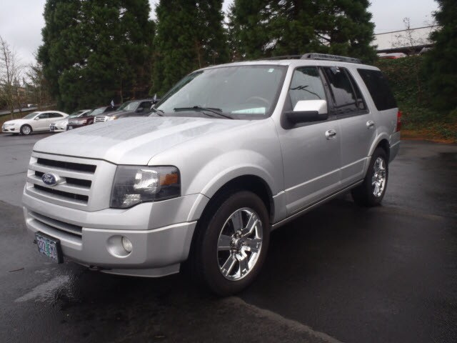 2010 Ford Expedition Limited Introducing the 2010 Ford Expedition This quick and nimble vehicle of