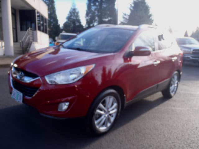 2010 Hyundai Tucson Limited Sensibility and practicality define the 2010 Hyundai Tucson Maximum ut