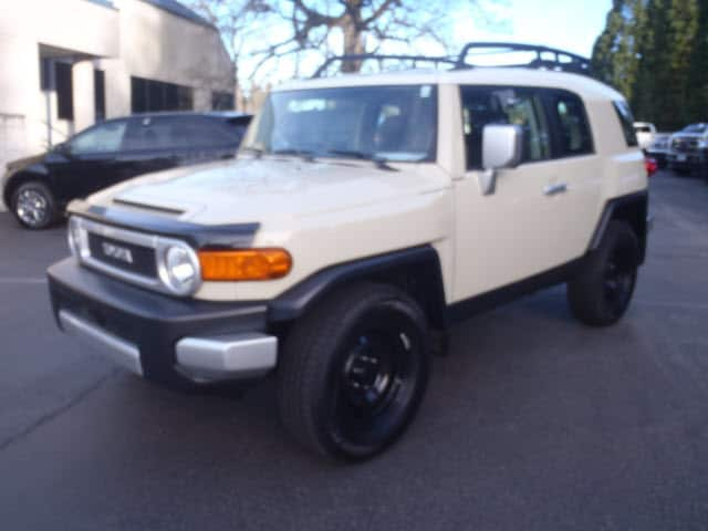 2008 Toyota FJ Cruiser Experience driving perfection in the 2008 Toyota FJ Cruiser A great vehicle