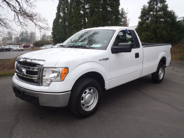 2014 Ford F-150 XL Come test drive this 2014 Ford F-150 A great vehicle and a great value This 2