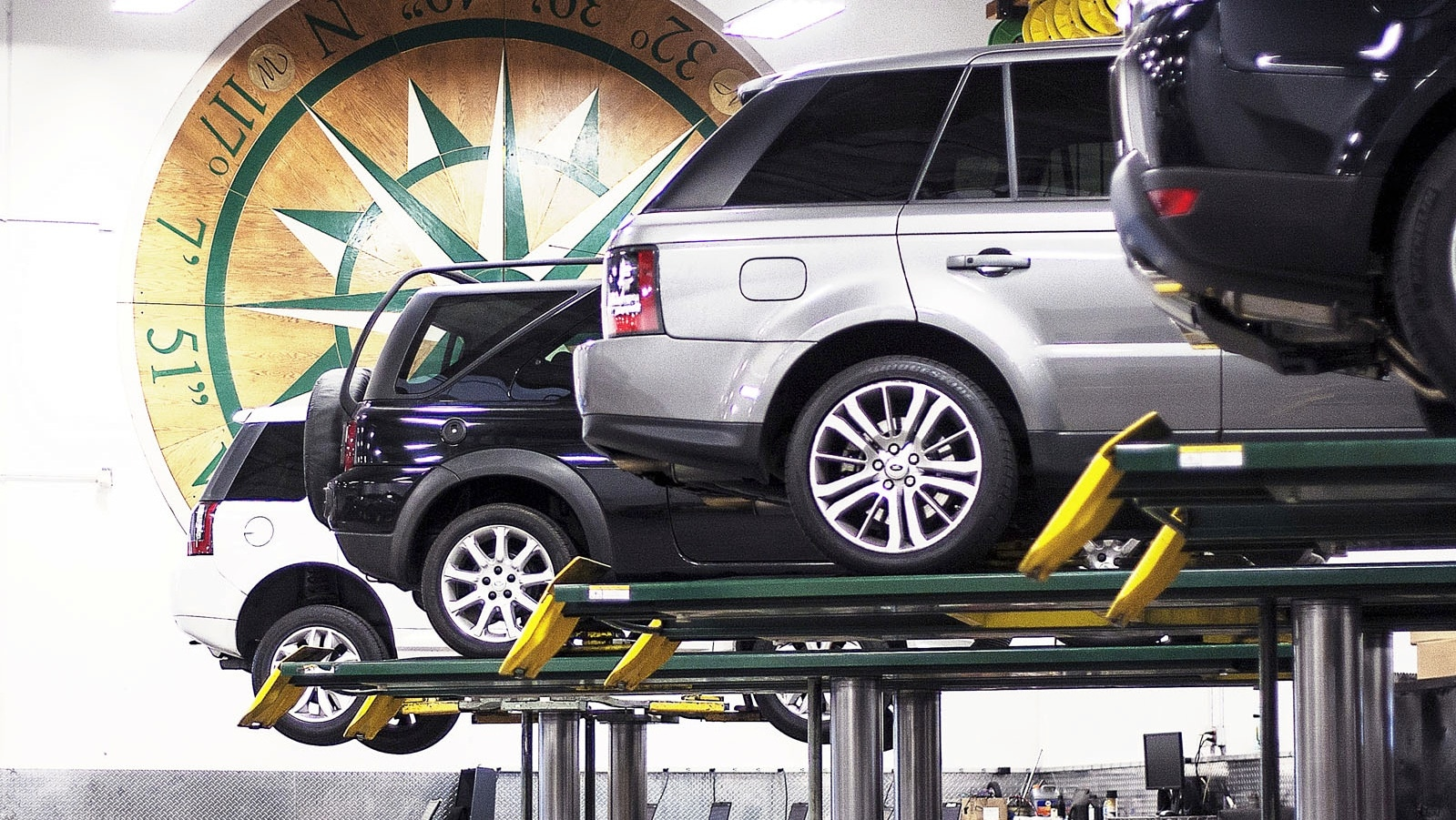 Range Rover Service, San Diego, Vehicles On Rack Photo - Land Rover San Diego