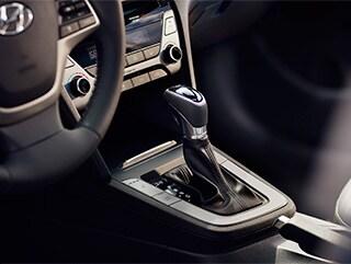 2017 Hyundai Elantra Gear