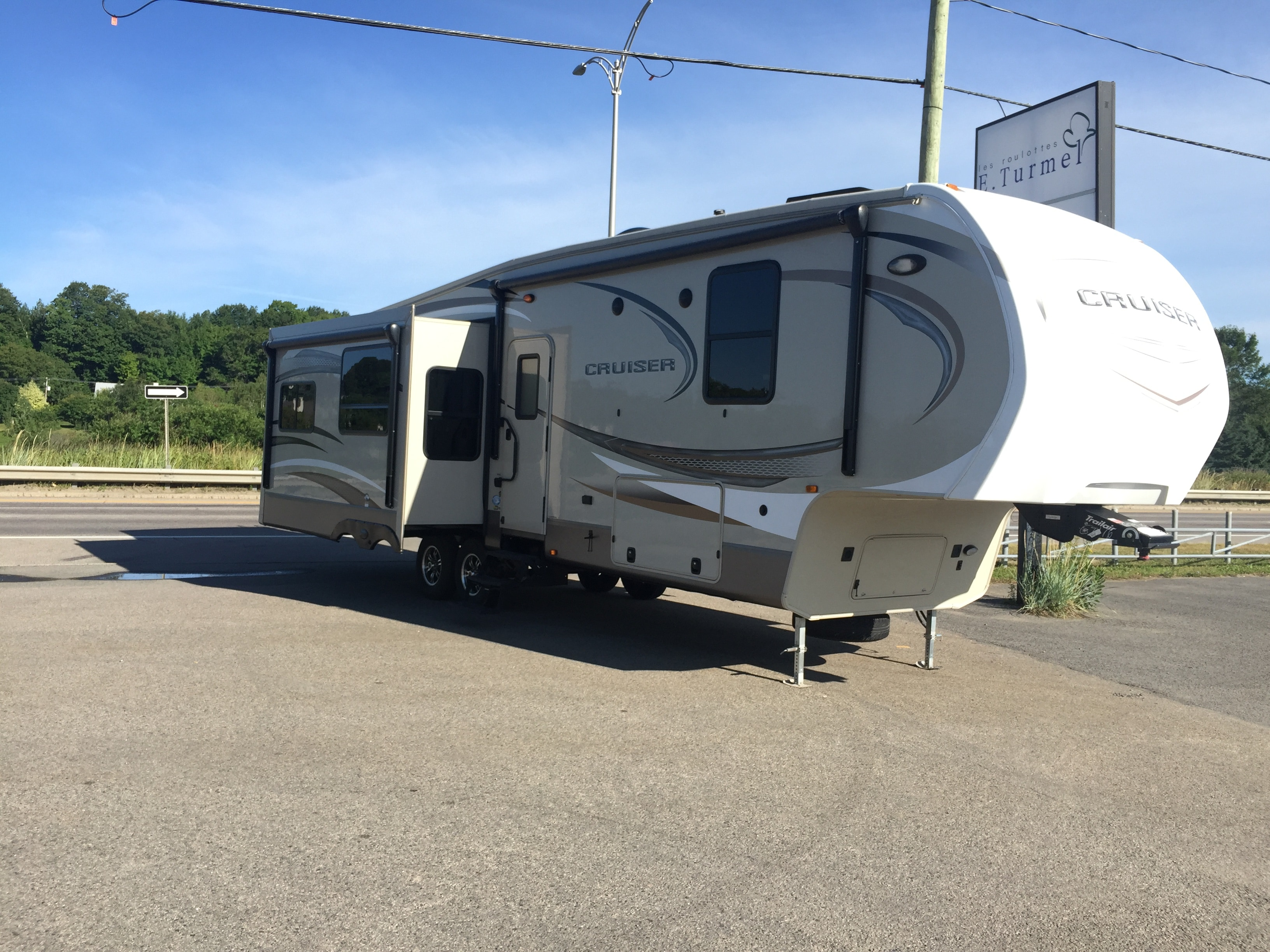 2016 CRUISER BY CROSSROADS RV 333 RL