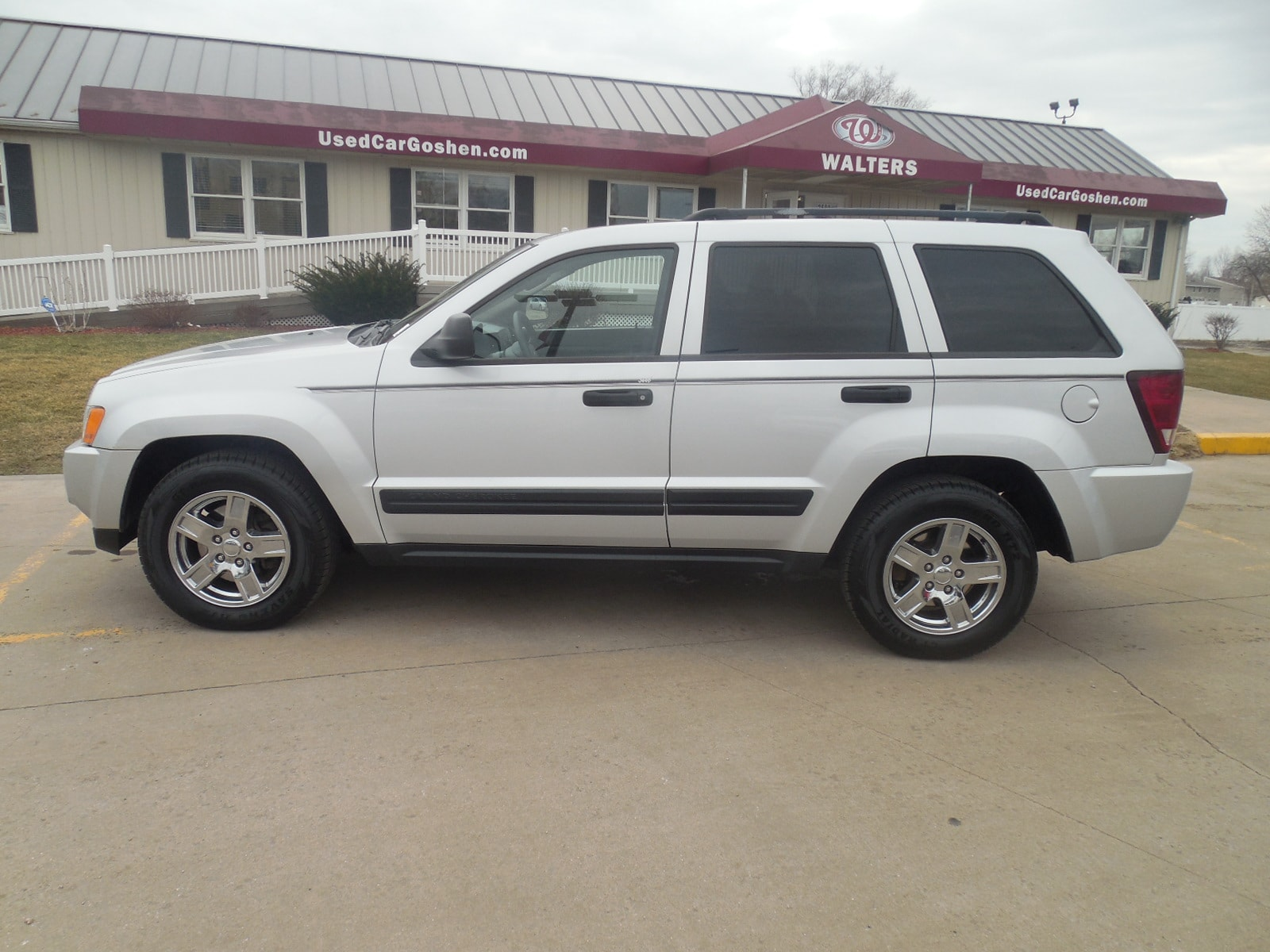 used 2005 jeep grand cherokee for sale goshen in elkhart south bend fort wayne indiana call. Black Bedroom Furniture Sets. Home Design Ideas