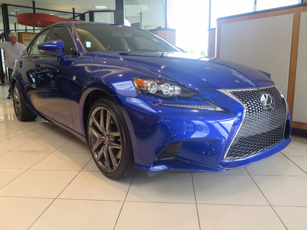 2016 Lexus IS 300 AWD  Sedan