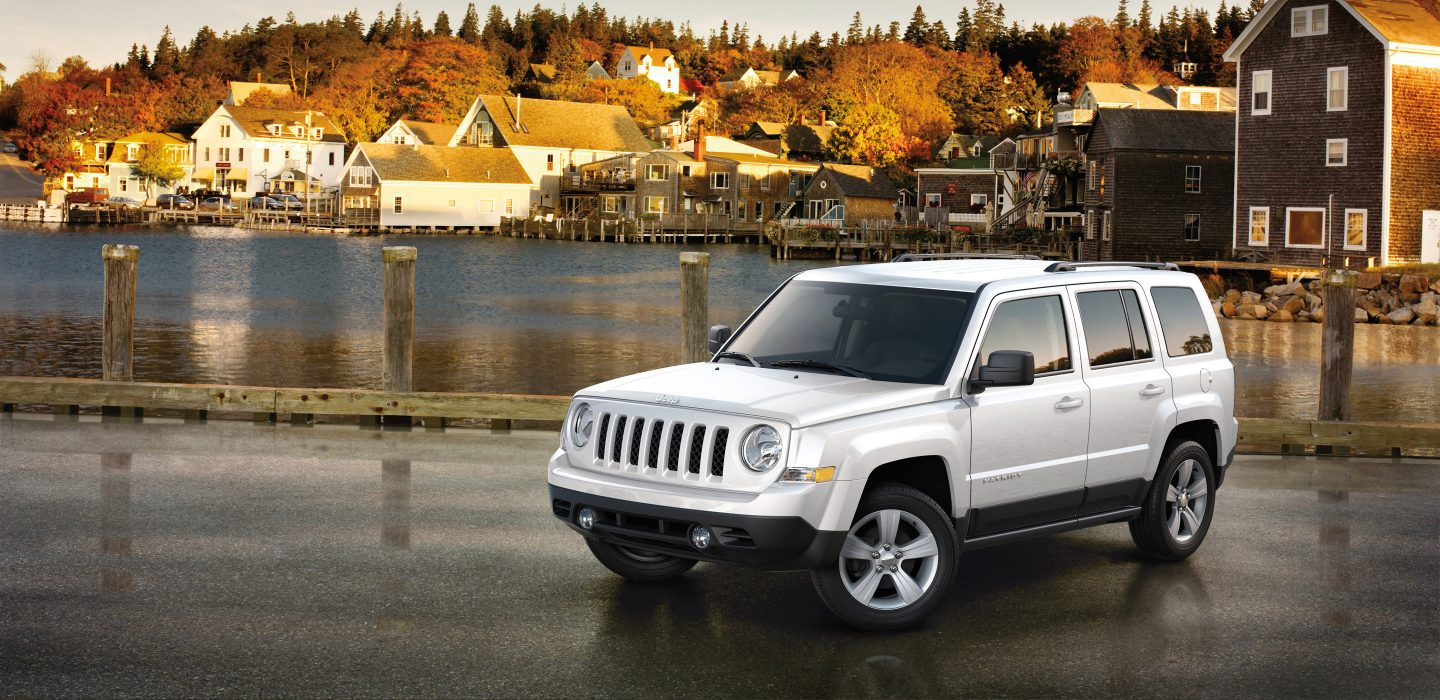 2017 Jeep Patriot Side Exterior White