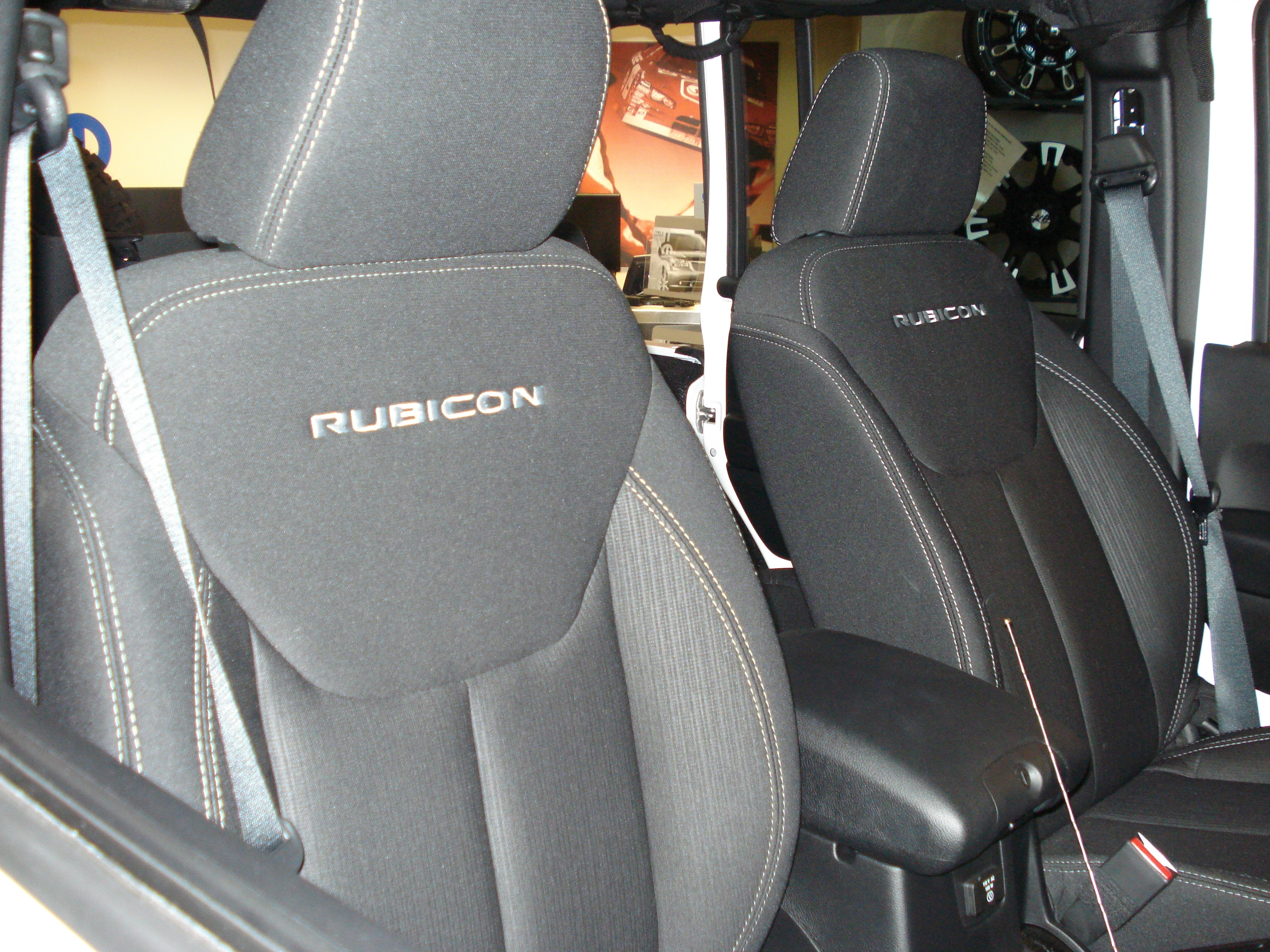 Very Impressive portraiture of  rubicon has front bucket seats and a rear split bench seat the with #966F35 color and 3072x2304 pixels