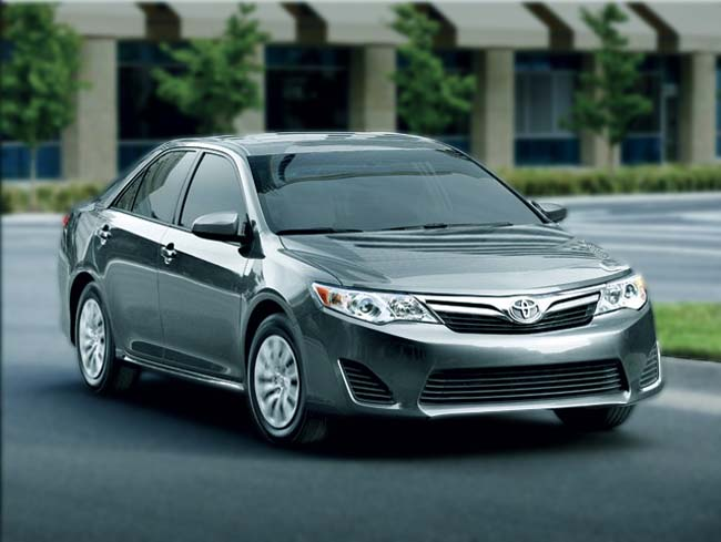 toyota camry le se xle xse in woodbridge lustine toyota. Black Bedroom Furniture Sets. Home Design Ideas