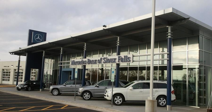 Luxury auto mall of sioux falls new mercedes benz bmw for Mercedes benz sioux falls