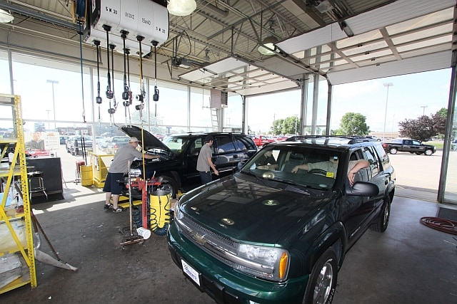 oil change services at mankato motors oil change in