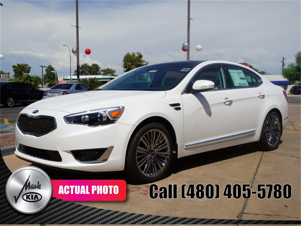 2016 Kia Cadenza Limited Sedan
