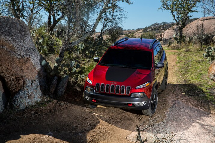 Jeep Cherokee Trailhawk SUV off-roading