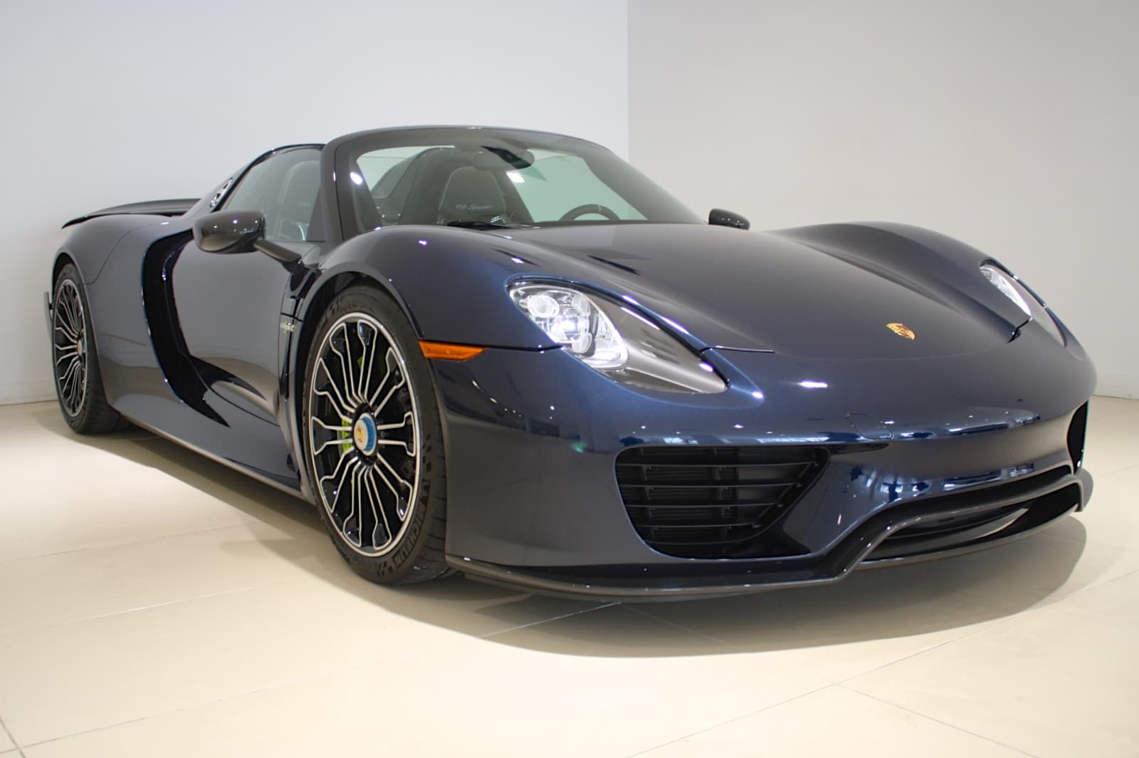 used 2015 porsche 918 spyder weissach package for sale freeport ny wp0ca2. Black Bedroom Furniture Sets. Home Design Ideas