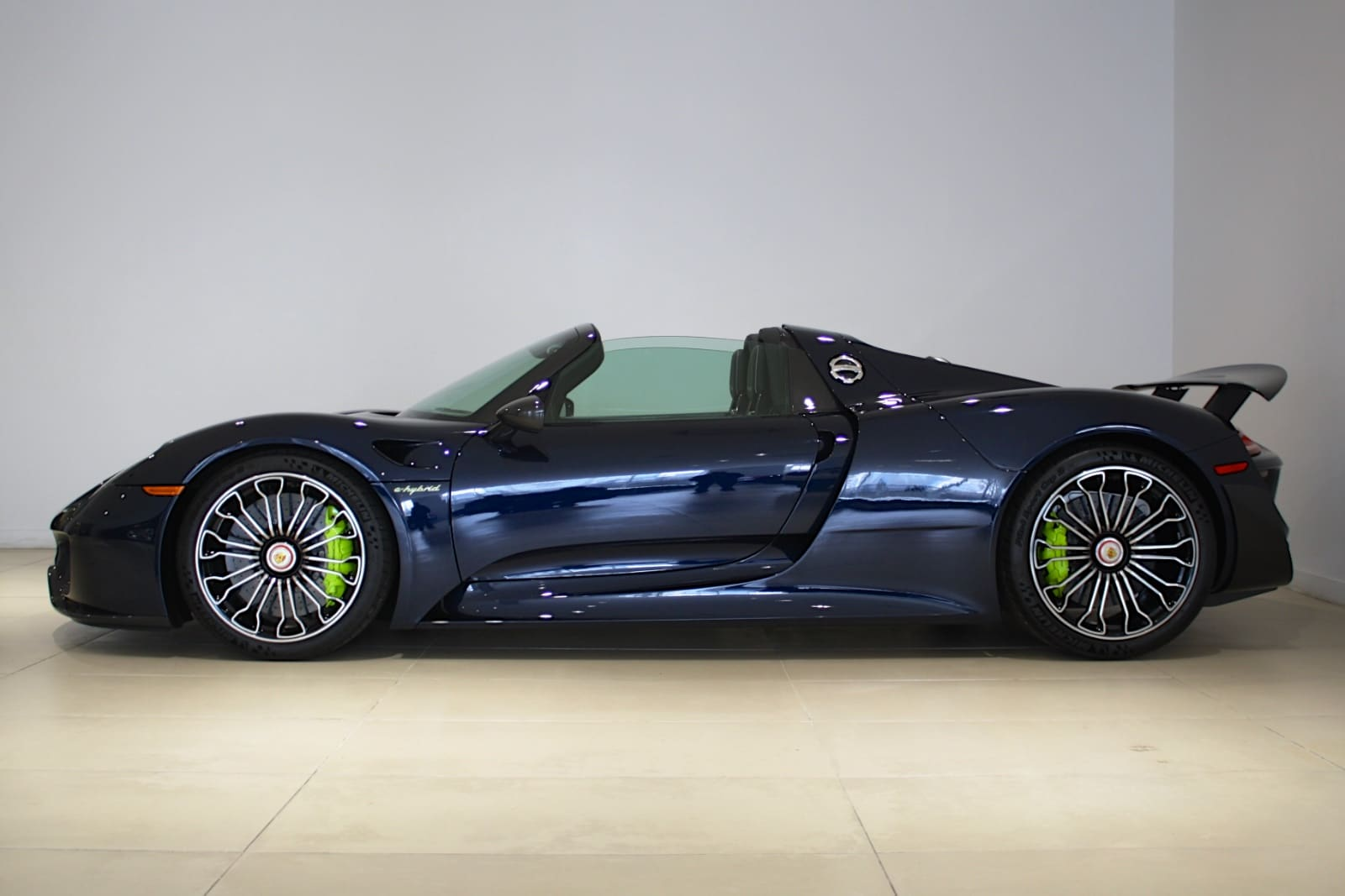 used 2015 porsche 918 spyder weissach package for sale fort lauderdale fl vin wp0ca2a19fs800130. Black Bedroom Furniture Sets. Home Design Ideas