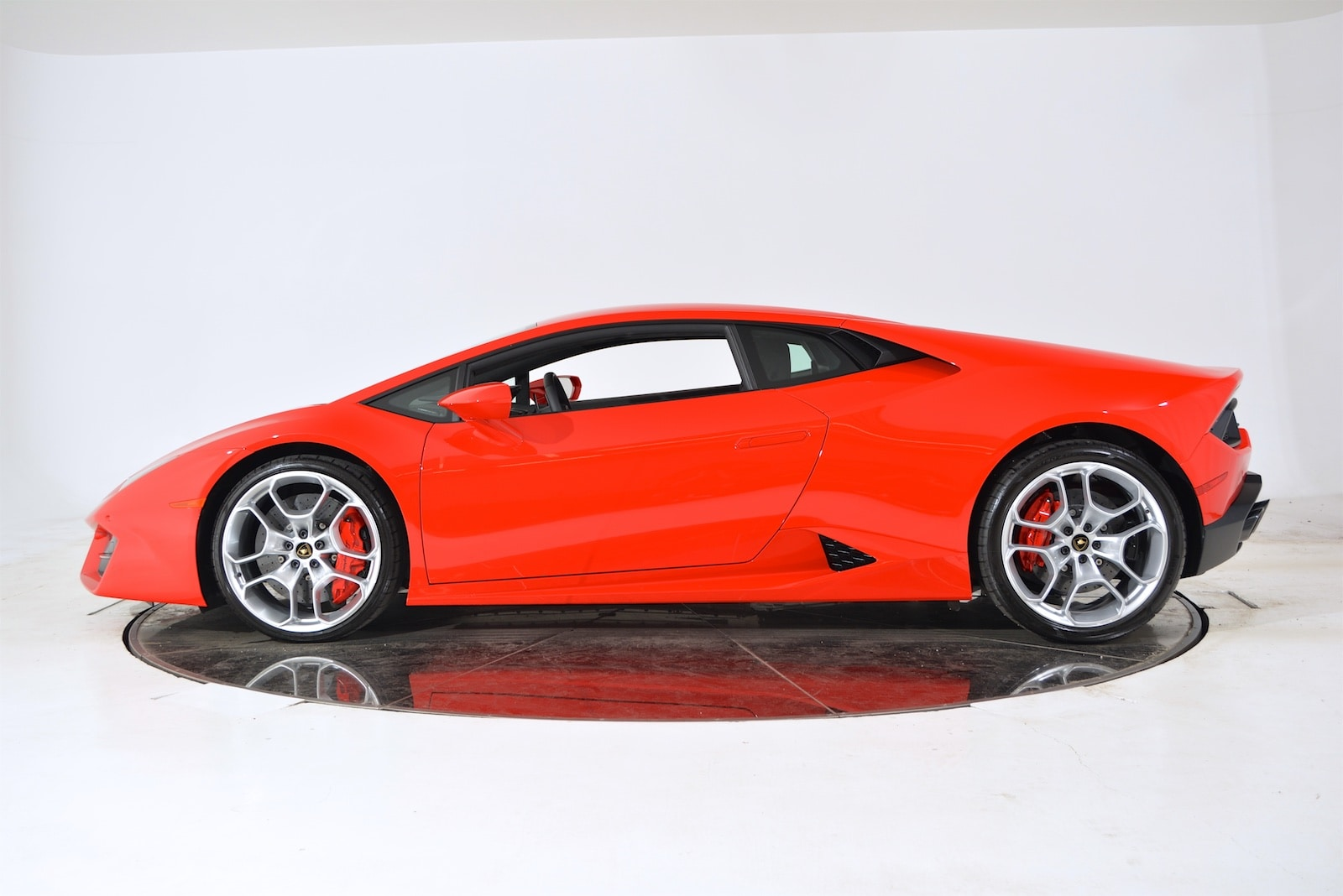 used 2016 lamborghini huracan lp 580 2 for sale fort. Black Bedroom Furniture Sets. Home Design Ideas