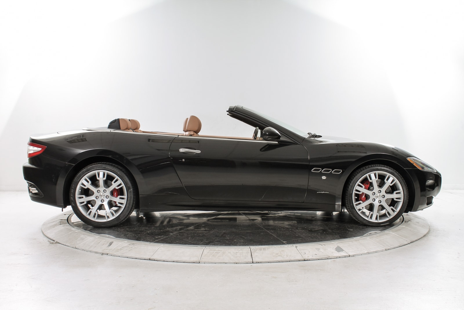 Used 2012 Maserati Gt Convertible In Black For Sale In Nyc
