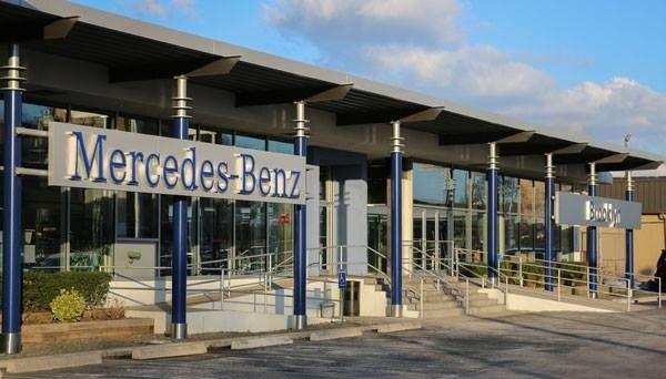 Contact us mercedes benz of brooklyn brooklyn ny for Mercedes benz dealers in brooklyn ny