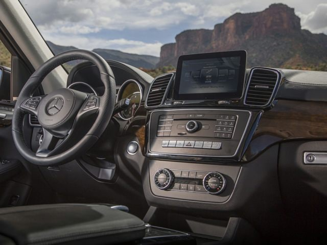 Mercedes-Benz GLS SUV Tech