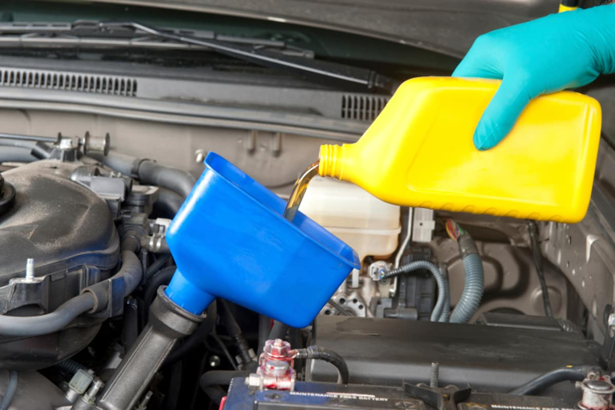 Do it yourself oil change metro ford of okc anybody can do it changing your cars oil solutioingenieria Image collections