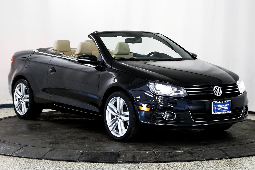 2014 Volkswagen Eos Executive Convertible for sale in Lake Zurich, IL at Midwest Motors