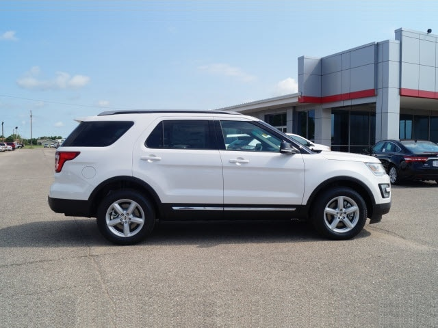 Ford toyota dealer hutchinson ks midwest superstore for Midwest motors hutchinson ks