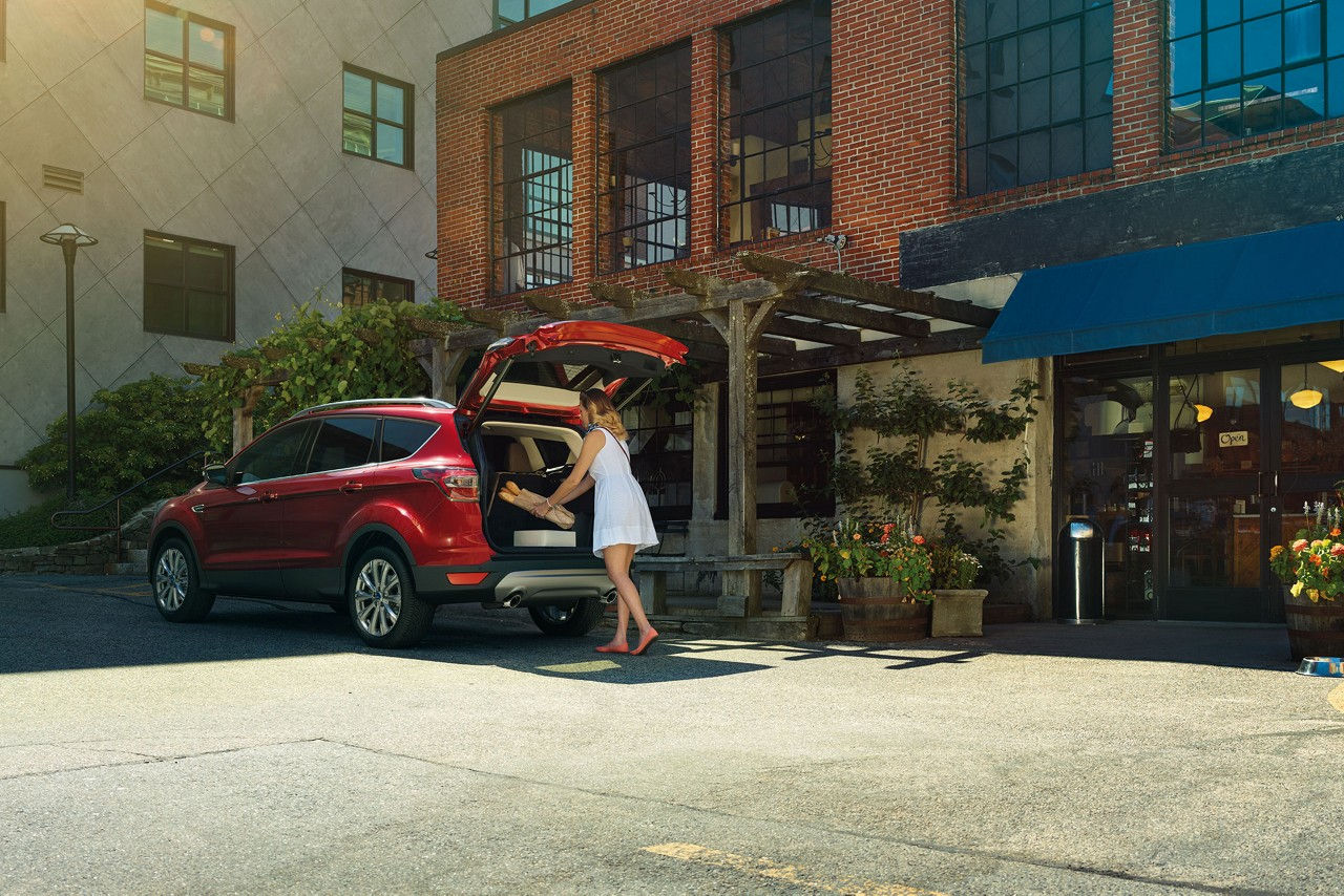 Ford Escape hands-free foot-activated lift gate