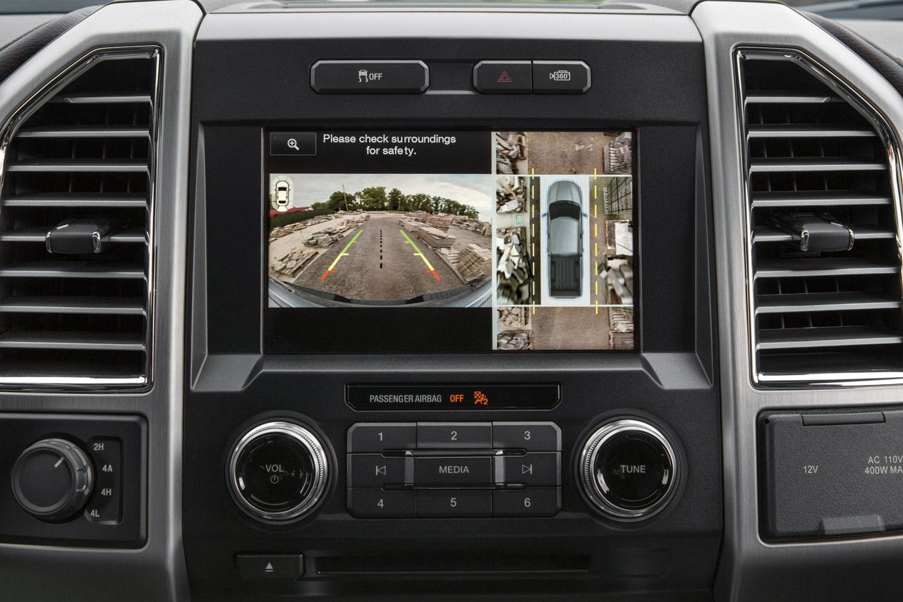 F-150 360-Degree Camera with Split-View Display and Dynamic Hitch Assist Features