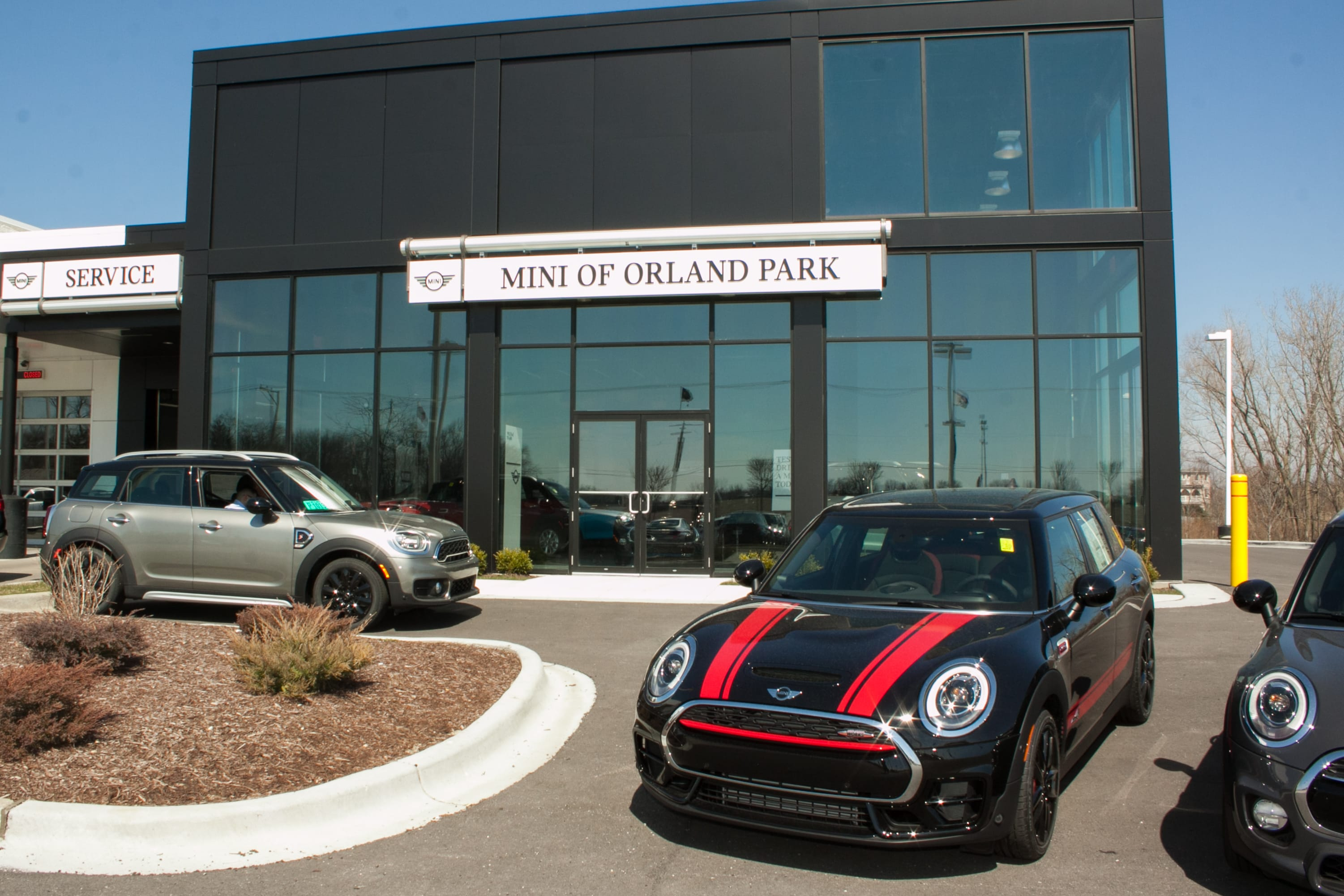 mini of orland park new mini dealership in orland park il 60467. Black Bedroom Furniture Sets. Home Design Ideas