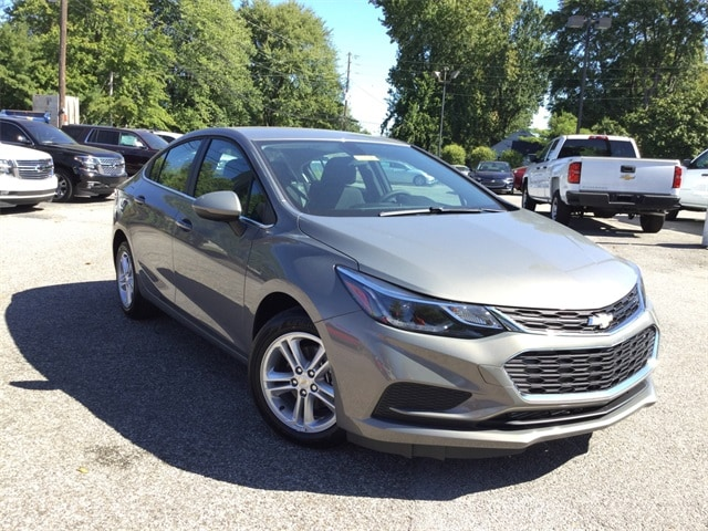 new 2018 Chevrolet Cruze LT Sedan in Louisville
