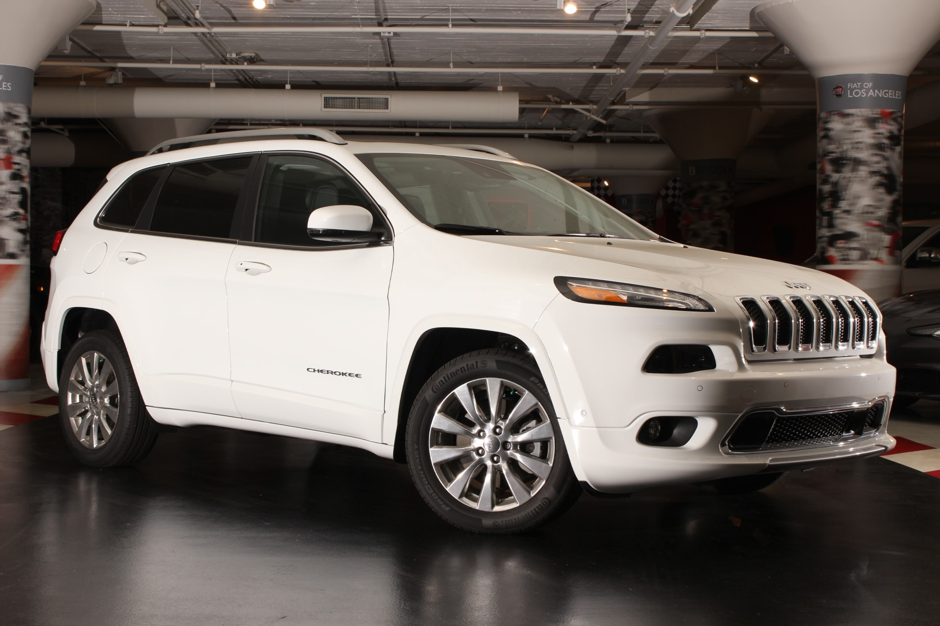 2016 Jeep Cherokee Overland FWD  600 Amp Maintenance Free Battery Active Grille Shutters Adapti