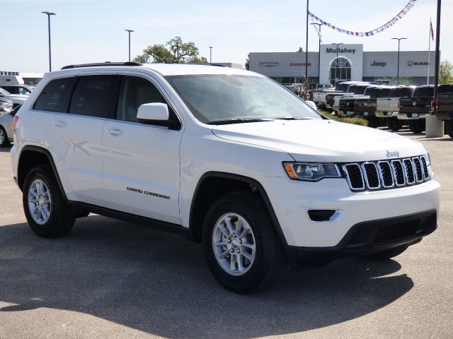 2018 Jeep Grand Cherokee LAREDO E 4X4 What a great deal on this 2018 Jeep A safe vehicle to haul