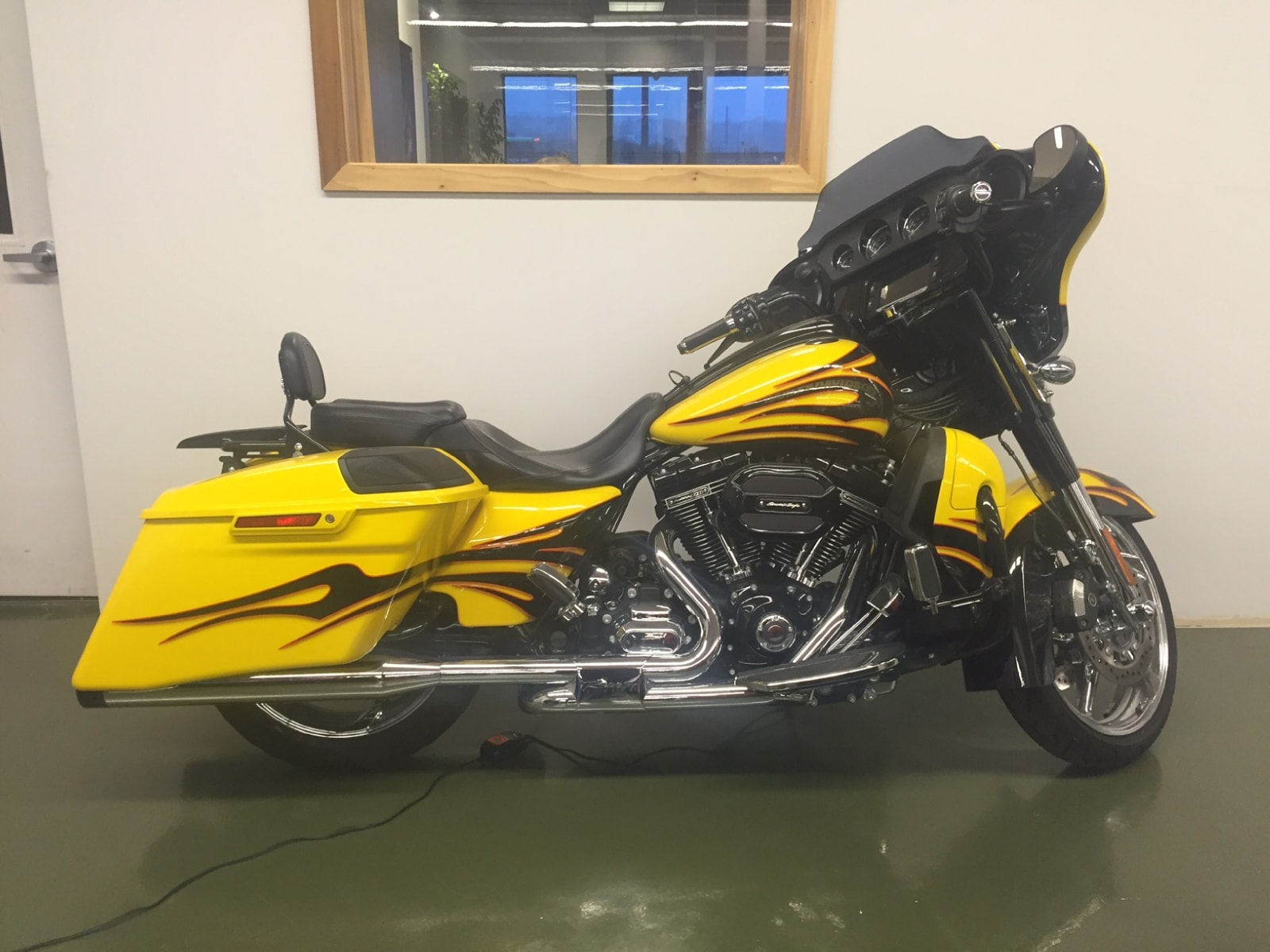 used 2015 harley davidson flhxse cvo for sale oakville on. Black Bedroom Furniture Sets. Home Design Ideas