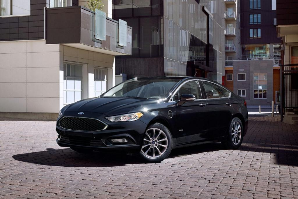 Go Green with the Ford Fusion Energi Platinum in Shadow Black
