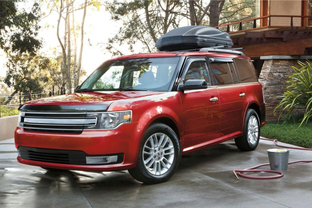 Ford Flex SEL in Ruby Red Metallic Tinted Clearcoat