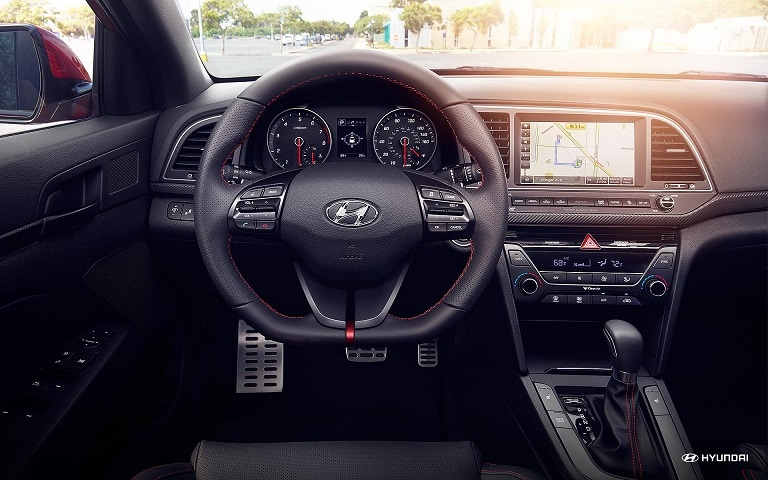 hyundai-elantra-interior-features