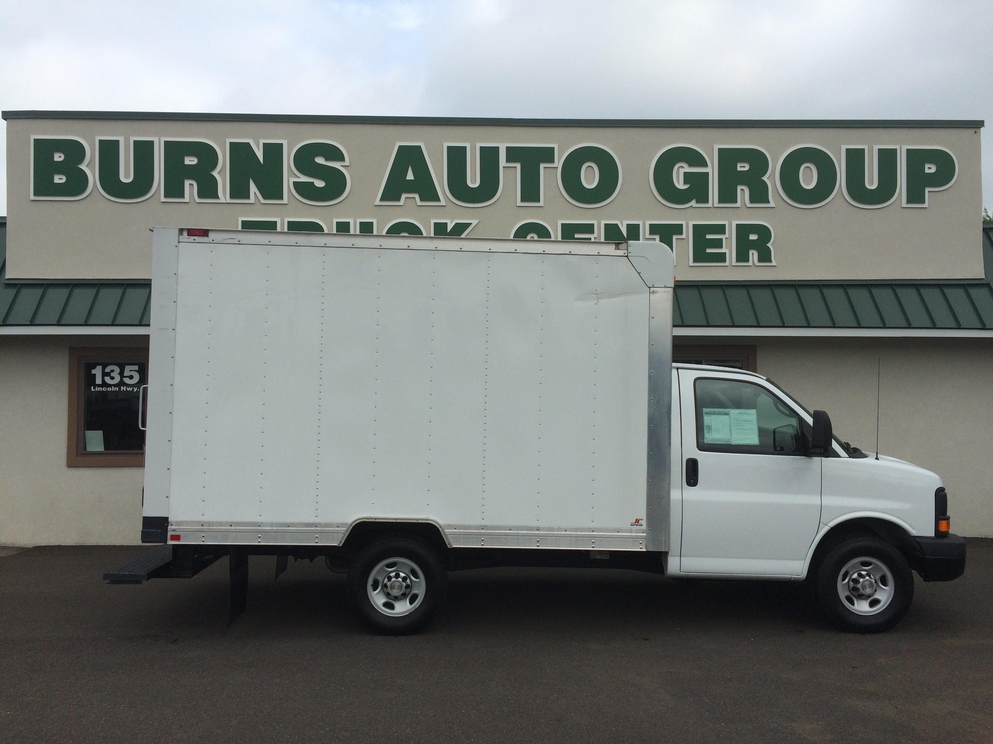 2014 Chevrolet Express Commercial Cutaway Hicube Truck