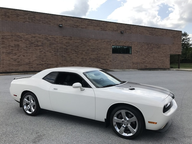 2009 Dodge Challenger R/T 6-Speed with Trak Pak/Navigation/20'' Chrome Wheels Coupe