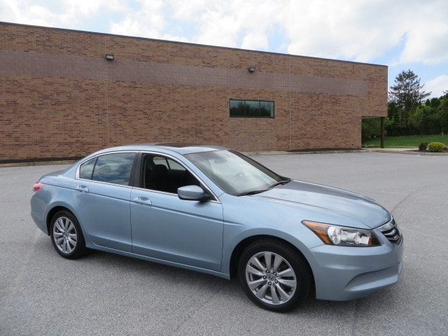 2012 Honda Accord 2.4 EX Sedan with Moonroof/Power Seat/Fully Serviced Sedan